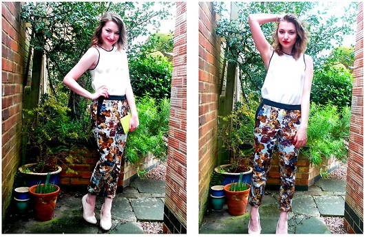 Lucy Amelia - River Island Cigarette Trousers, Asos White Shell Top, Asos White Court, Accessorize Green Clutch - Off to the Races