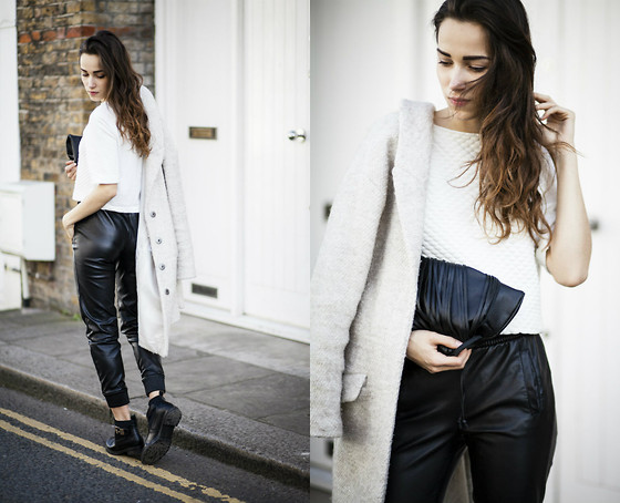 RUTA GYVYTE -  - COMFY IN MY LEATHER PANTS