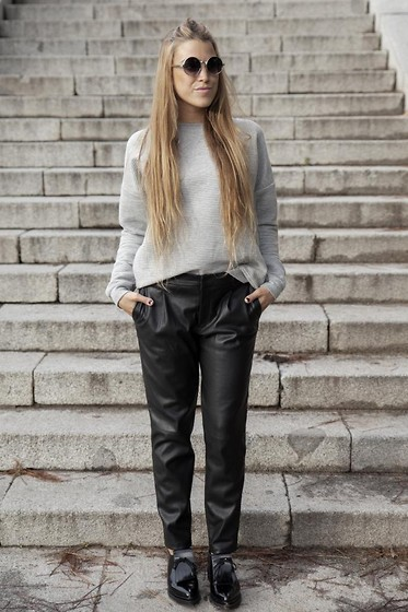 Drifting Nomad -  - LEATHER PANTS AND TEXTURED SWEATER