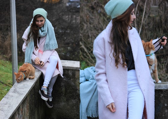 Ramona Crisstea - Vero Moda Coat, H&M Hat - All things nice and Gingerful