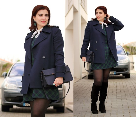 Teresa Leite - Tany Couture Self Made Tartan Dress, Mango Navy Blue Pea Coat (Old), Parfois Green Earrings, Parfois Navy Blue Cluch, Zara Suede Knee High Boots - Going out (self-made dress)