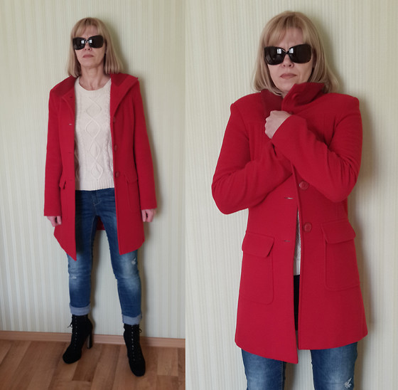 Tatiana T. - Mango Coat, Bershka Jeans, Stradivarius Sweater - Red coat