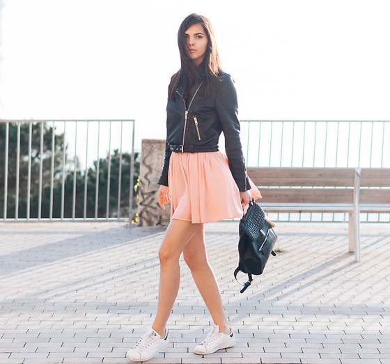Doina Ciobanu -  - ROCKING GIRLY