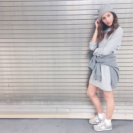 Olivia - New Balance Sneakers, Oak Dress, Urban Outfitters Shirt, Urban Outfitters Toque - Feeling grey