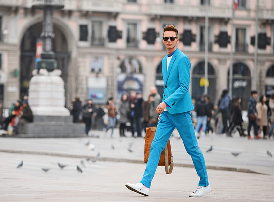 Chaby H. - Blue Suit, Benzolbag Recycled Leather Backpack - Walking on streets of Milan