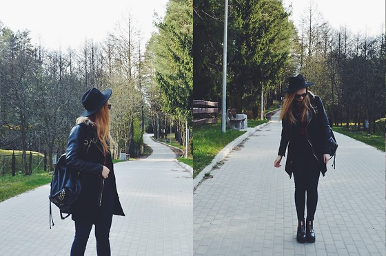 Agnieszka Warcaba - H&M Hat, Sin Say Coat, Second Hand Shirt, H&M Jeans, H&M Boots, Centro Backpack - Spring walk