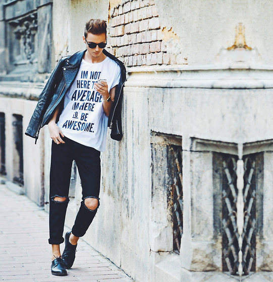 Chaby H. - Deadlegancy T Shirt, Vintage Ripped Jeans (Diy), Leather Biker Jacket, Shoes - Biker jacket with ripped jeans
