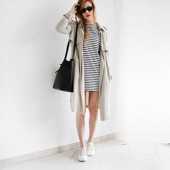 Reingeschlüpft - Shoplush Bag, Zara Trenchcoat, Zara Dress, Zara Sneakers - No colors are the best ones.