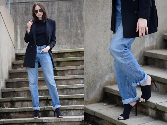 Lizzy Hadfield -  - Baggy Denim and Mules