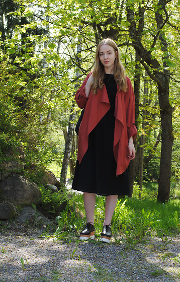 Noora V - H&M Coat, & Other Stories Dress, H&M Platforms - Brick Red