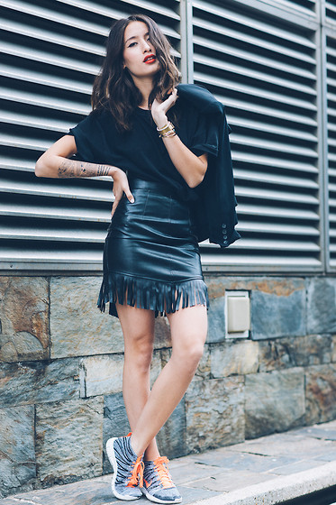 Alex Closet - Missguided Skirt - All black love