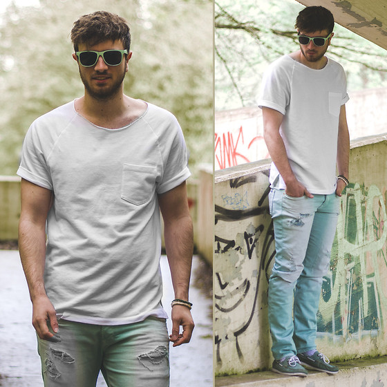 Tim Unterlauf - Norband Shoes, 7 For All Mankind Jeans, Forever 21 T Shirt, H&M Sunglasses - Mr. Green