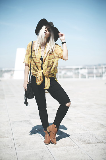 Inês M - Local Market Shirt, Missguided Boots, Zara Jeans, H&M Hat - Yellow Rodeo