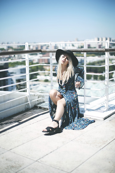 Inês M - Choies Dress, Missguided Sandals, H&M Hat - Gipsy soul