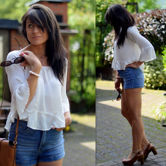 Ola Wiecha - Tally Weijl Shorts, Zara Blouse - Shorts