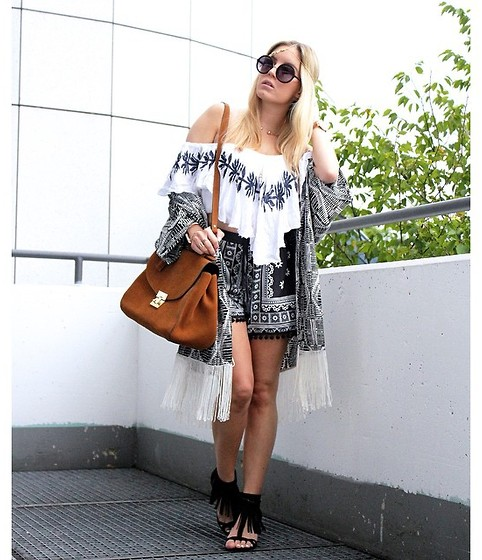 Fashiontwinstinct - Asos Off Shoulder Crop Top, Asos Shorts, Vila Fringe Kimono, Justfab Fringe Sandals, Zara Bag, Asos Head Piece - Fringe for festival.