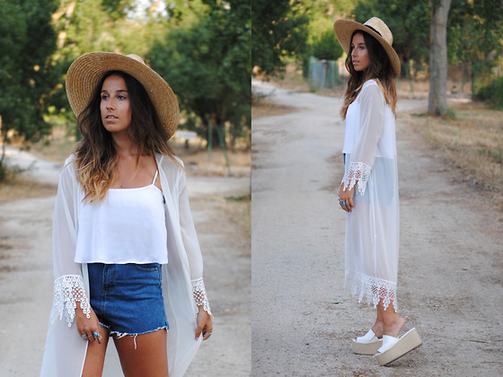 Claudia Villanueva - Asos Hat, Bershka Crop Top, Sheinside Kimono, Sheinside Shorts, Asos Sandals - It´s all in the accessories