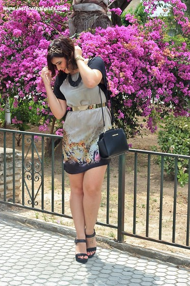 Miriam Morilla Macias - Aliexpress Vestido, Michael Kors Bolso - SUMMER DRESS