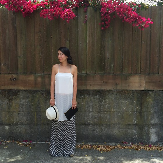Emma Lee - Zara Tunic Side Split Top, Anthropologie Printed Soft Pant, Celine Clutch, Madewell Straw Hat - Summer bloom