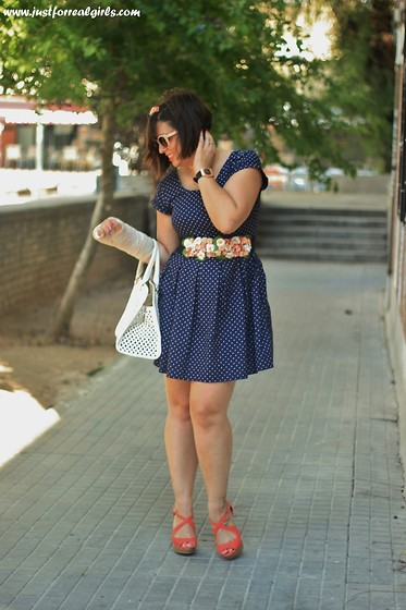 Miriam Morilla Macias - C&A Vestido, Stradivarius Cuñas, Lefties Bolso, Calgary Reloj, Just For Real Girls Cinturon - BLUE, WHITE AND ORANGE