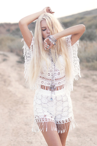 Krist Elle - Style Moi Crochet Summer Sweater With Fringe Trims, Lace Fringe Shorts, Bohemian Necklace - BOHEMIAN LOOK