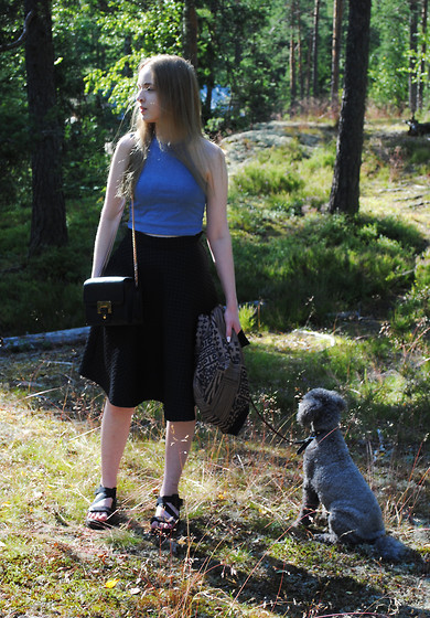 Noora V - Zara Top, H&M Skirt, Lumi Bag, Monki Bomber Jacket, Vagabond Sandals - Into the woods