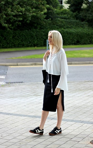 Charlotte Buttrick Lewis - Missguided Lace Up Blouse, Asos Denim Side Slit Skirt, Gola Harrier Trainers - Minimal Monochrome & Gola Trainers