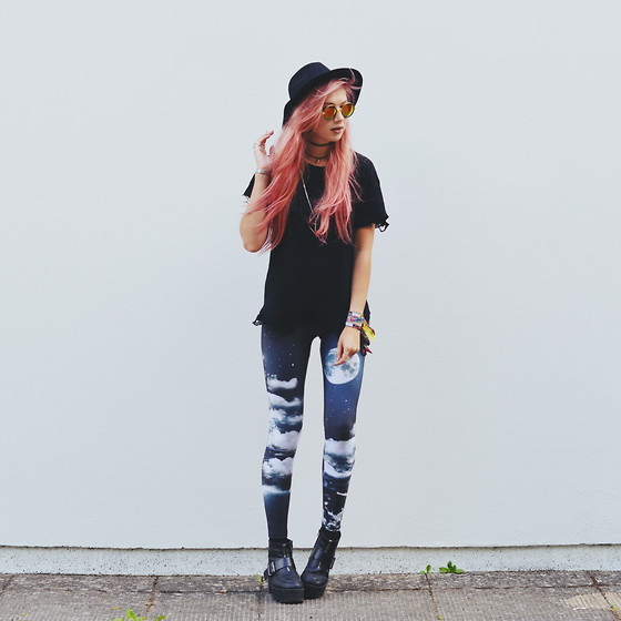 Amy Valentine - Poprageous Moonlight Leggings, Rebel Circus Distressed Black Tee, Urban Outfitters Black Fedora, Spylovebuy Platform Boots - A BRAND NEW CURSE