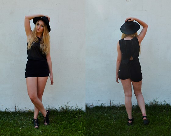 Agnieszka Warcaba - H&M Hat, H&M Top, Second Hand Shorts, H&M Boots - I am a robot girl