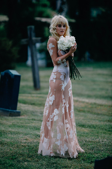 Rachel Lynch - For Love And Lemons Orchid Maxi Dress, For Love & Lemons Orchid Two Piece Set, Nasty Gal White Lace Up Boots - Hollywood forever cemetery sings