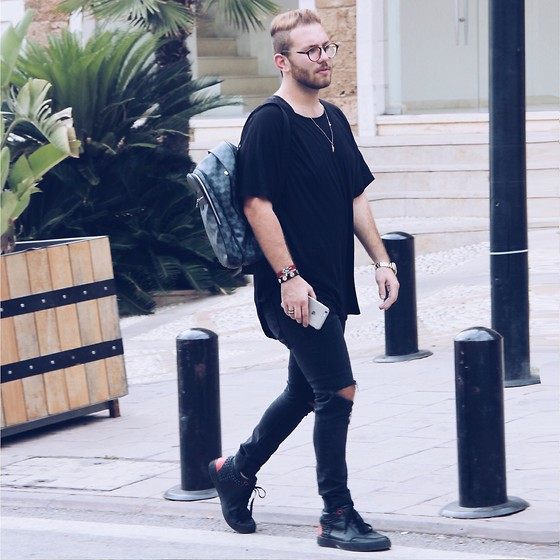 Jeanpierre Souaidan - Louis Vuitton Backpack, Bershka Tshirt, Topman Ripped Jeans, Royaumus Shoes - Street style