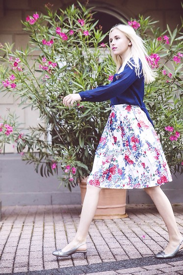 Nicola Marleen - New Dress Blouse, New Dress Skirt, Dolce & Gabbana Shoes - Summer Blues