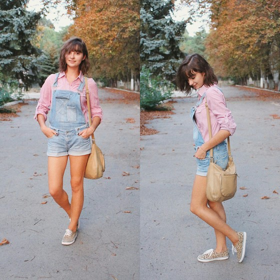 Nastasi - Vintage Overalls, H&M Keds, Zara Shirt - The golden hour