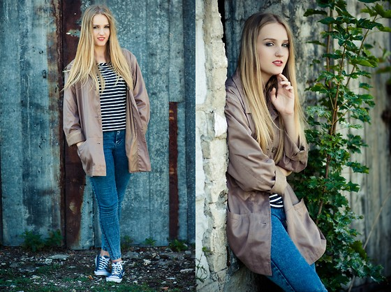 Agnieszka Warcaba - No Name Jacket, No Name Top, Pull & Bear Jeans, No Name Sneakers - Powerfull