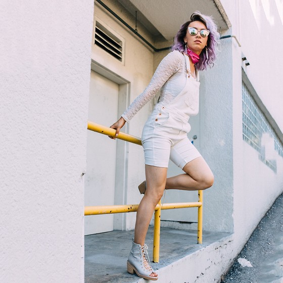 Jessica Luxe -  - How to Layer Whites Like a Pro