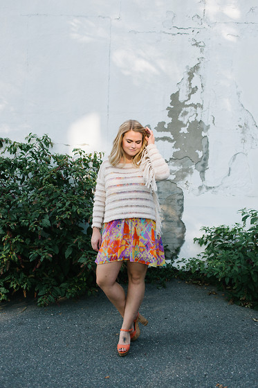 Britnie Harlow - Amuse Society Fringe Sweater, Show Me Your Mumu Dress, Jollypop Chunky Heel - Vibrant.