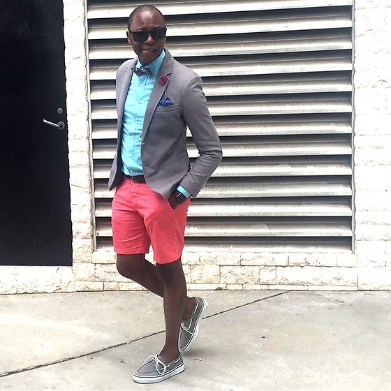 "David Thande - Sperry Topsider Suede Bahamas', H&M Regular Fit Shorts, Uniqlo Canvas And Leather Belt, Jcrew Washed Shirt, Mademenla Cotton Flower Lapel Pin, Zara Pique Blazer, Apple Space Black Stainless Steel -      ""You're wasting daylight here."""