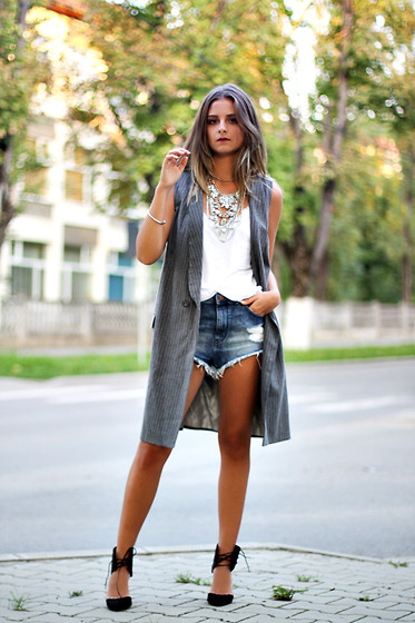 Madalina Gugila - Zara Vest, H&M Shorts, Happiness Boutique Necklace, Bershka Heels - First Layers