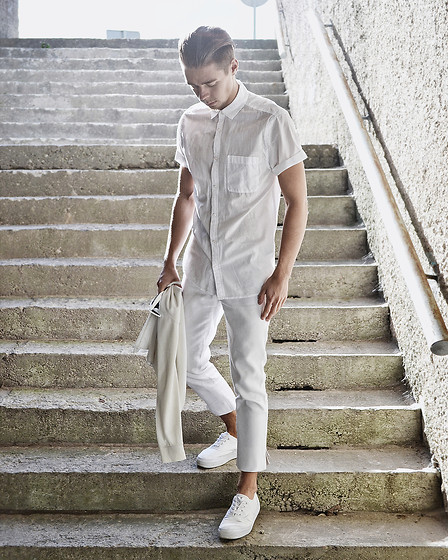 Edgar - Topshop Pants, H&M Platform Sneakers, Roll Neck Sweater, H&M Short Sleeve Shirt - PURE WHITE // ALL-WHITE LOOK II