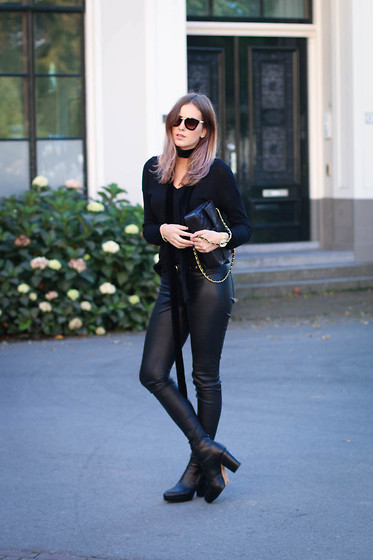 MODE ROSA -  - ALL BLACK EVERYTHING
