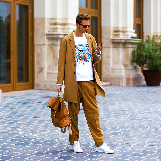 Chaby H. - H&M Camel Coat, Kenzo Sweater, H&M Camel Pants, Adidas Stan Smith - Camel is the new black / MBFWCE