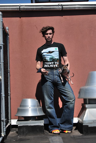 Matthew Reinhold - Comme Des Garçons Ltd. Play T Shirt, Gucci Jeans - I want to Believe