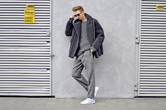Chaby H. - H&M Fur, Pants, Adidas Stan Smith - Monochrome day