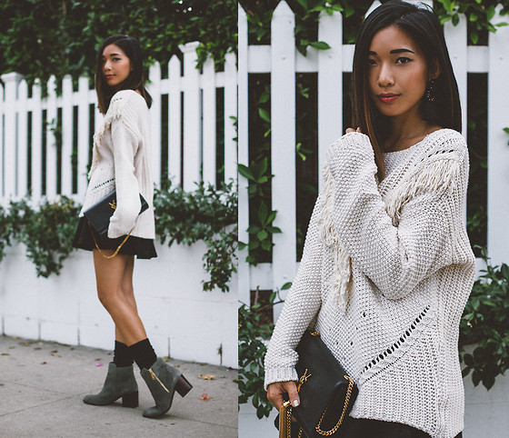 Stephanie Liu - H&M Sweater - Waving at Winter