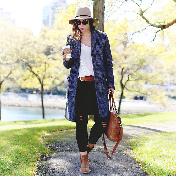 Alexandra G. - Express Wool Hat, Joe Fresh Wool Coat, James Jeans Ripped Skinny, Browns Shoes Suede Ankle Boots - Fall Classic