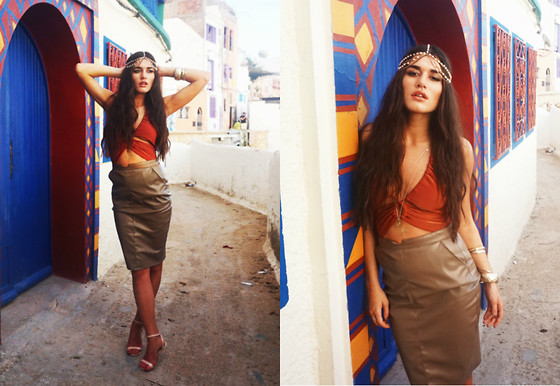Ilirida Krasniqi - Missguided Skirt, Missguided Body, Missguided Hair Accesorie - Moroccan vibes