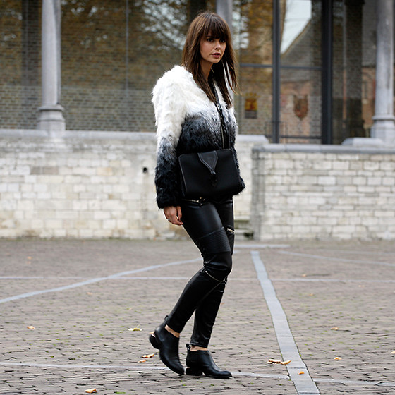 Iris . - Ivyrevel Fake Fur Coat, Alexander Wang Boots - FUR COAT