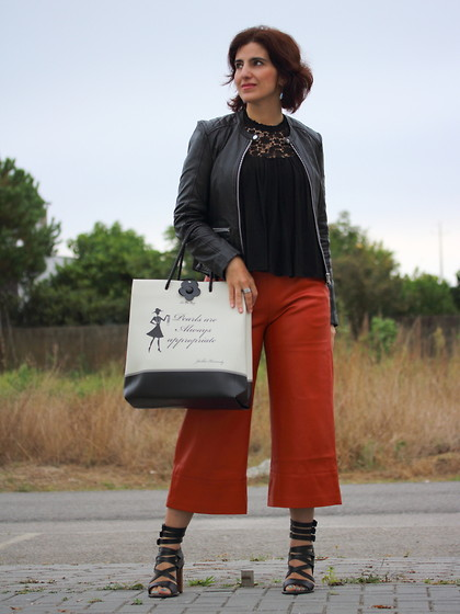Teresa Leite - Zara Leather Look Culottes, Zara Black Top With Lace Yoke, Mango Leather Jackets, Mango Strappy High Heel Sandals, Le Pandorine Shopper Bag - Hey Pumpkin!