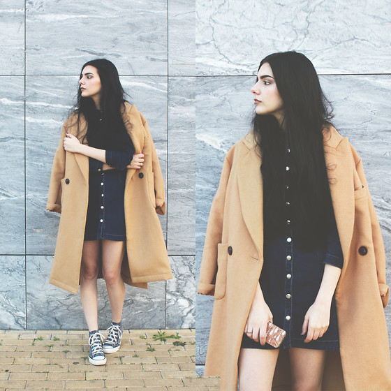 CLAUDIA Holynights - Zaful Denim Dress, Frontrowshop Camel Coat, One.Little.Forest Iphone Wallet - Camel and denim