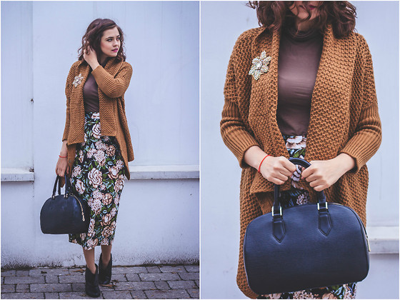 Katerina Lozovaya - Lightinthebox Cardigan, Zarina Bag - Autumn cozy cardigan